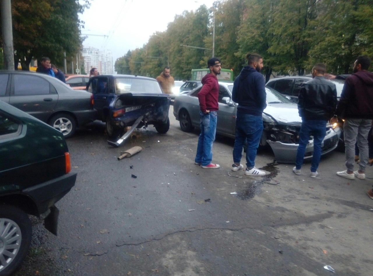 ДТП в Харькове: Столкнулись две машины