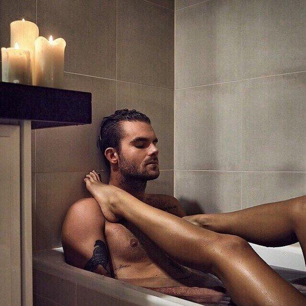 Секс девушки парень ванной пост
