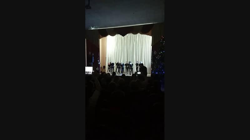 Выступление каманд танцы