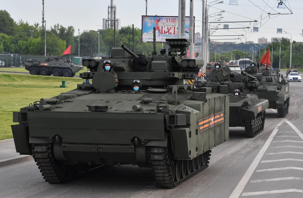 الدفاع الروسية تنشر صورا للعرض العسكري التجريبي الخاص باحتفالات عيد النصر -oXwxGCKz_k