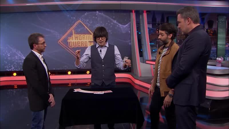Ben Affleck y Oscar Isaac sorprendidos con la magia de Luis Piedrahita - El Hormiguero