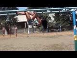 SLs Обучающее видео:) Как научиться делать продольный шпагат на турнике вниз головой? Даяна Ерёмина;)
