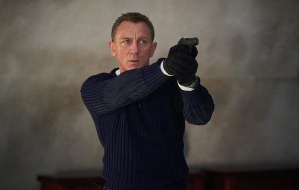 Мировую премьеру шпионского боевика «Не время умирать» перенесли на ноябрь Студия решила, что Джеймс Бонд не сможет устоять перед угрозой коронавируса. Теперь в кинотеатры картина попадет только