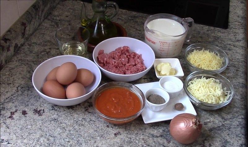 Что приготовить на ужин сегодня: запеканка яйца с фаршем и сыром под соусом Бешамель