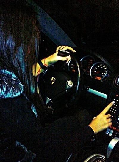 Фото девушек за рулем на аву и