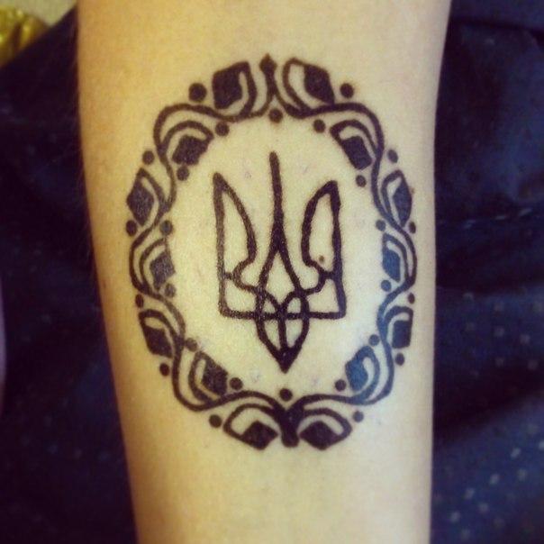 Тату герб украины фото