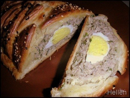 Мясной рулет с яйцом Ингредиенты: - фарш мясной 0,5-0,6