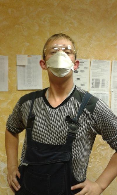 Антон Попов, id225386809