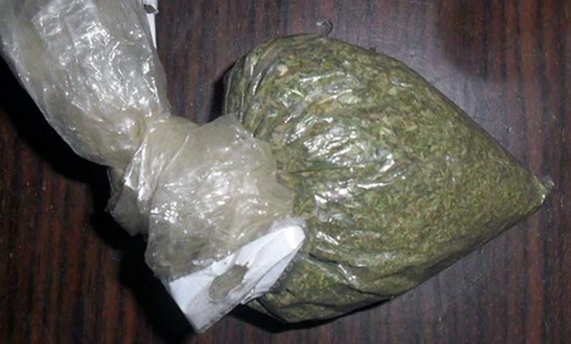Под Таганрогом полицейские задержали мужчину, подозреваемого в хранении наркотиков