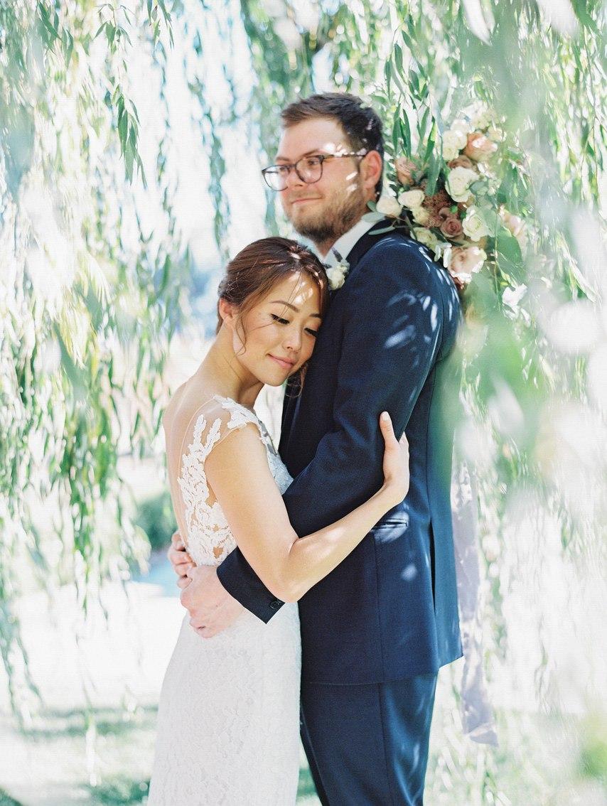 Когда твоя подруга работает ведущей на свадьбах. - Портал ведущего на вашу свадьбу в Волгограде. Заказ услуг свадебного ведущего,тамады на юбилей по телефону: +7(937)-727-25-75 и +7(937)-555-20-20