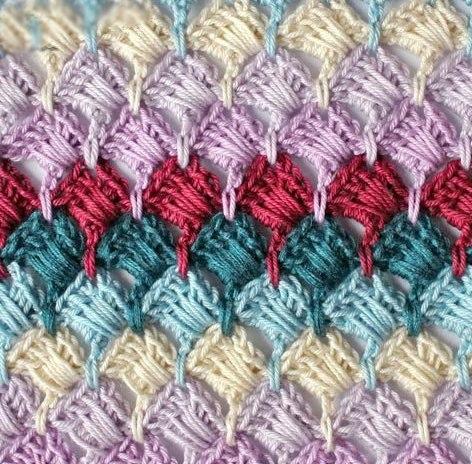 Двусторонний многоцветный узор крючком. Схема…. (9 фото) - картинка