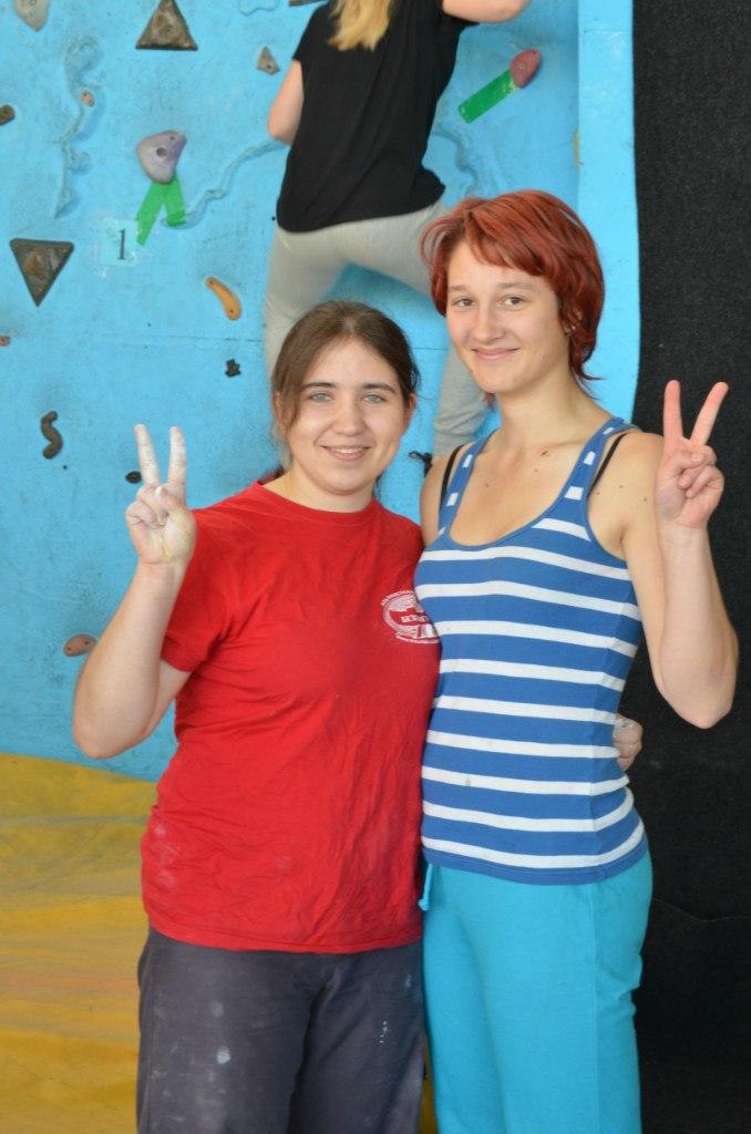 Таня Леонова и Оля Разуваева