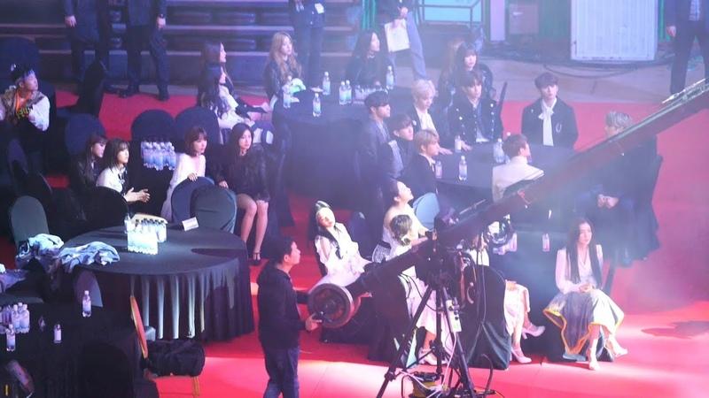 [블랙핑크(BLACKPINK) Full Ver.] 레드벨벳(Red Velvet),아이즈원(IZONE),여자아이들 Reaction@190123 가온차트 [ 4k Fancam직52