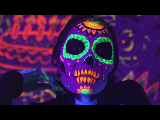 J Balvin Willy William - Mi Gente (Steve Aoki Remix) [Official Music Video]
