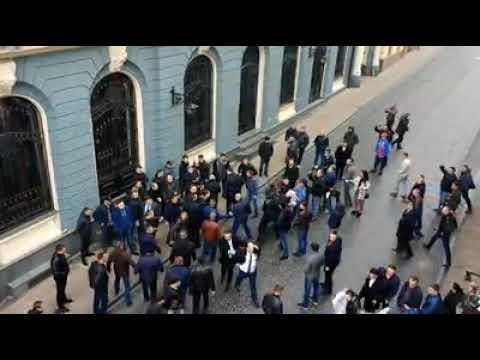 В Черновцах Тимошенко встретили пикетом и дракой 2