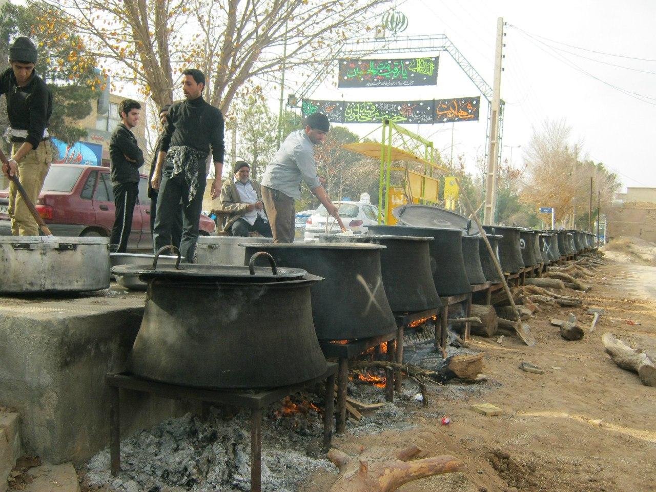 Приготовление и раздача бесплатной еды