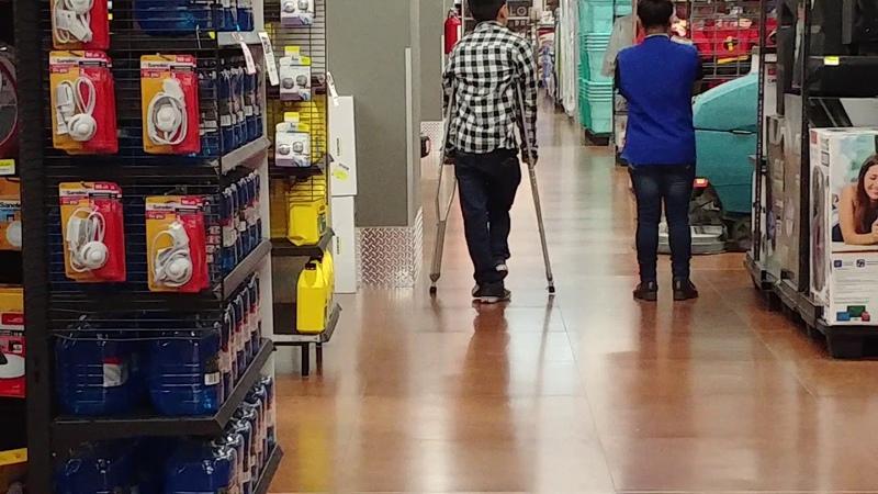 Short leg and crutches