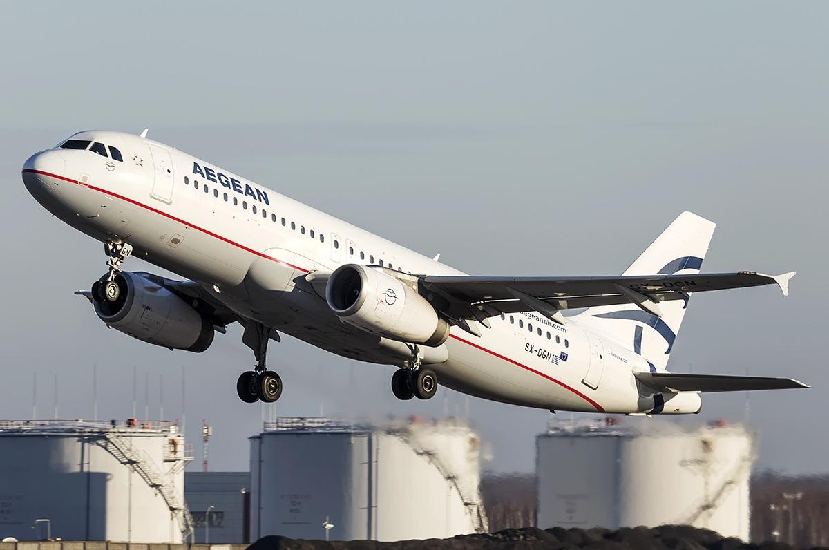 Взлет самолета греческого перевозчика