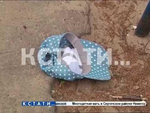 ▶ На дворовой площадке железные футбольные ворота раздавили 7-летнего мальчика