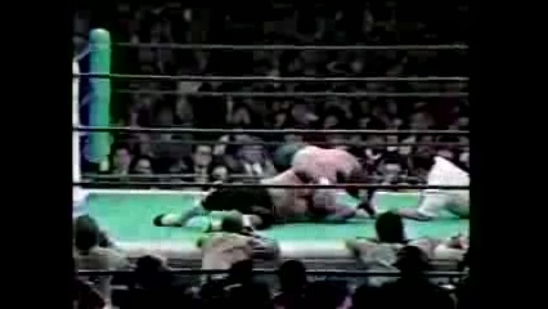 Larry Zbyszko vs Mr. (Masa) Saito (02-10-1990)