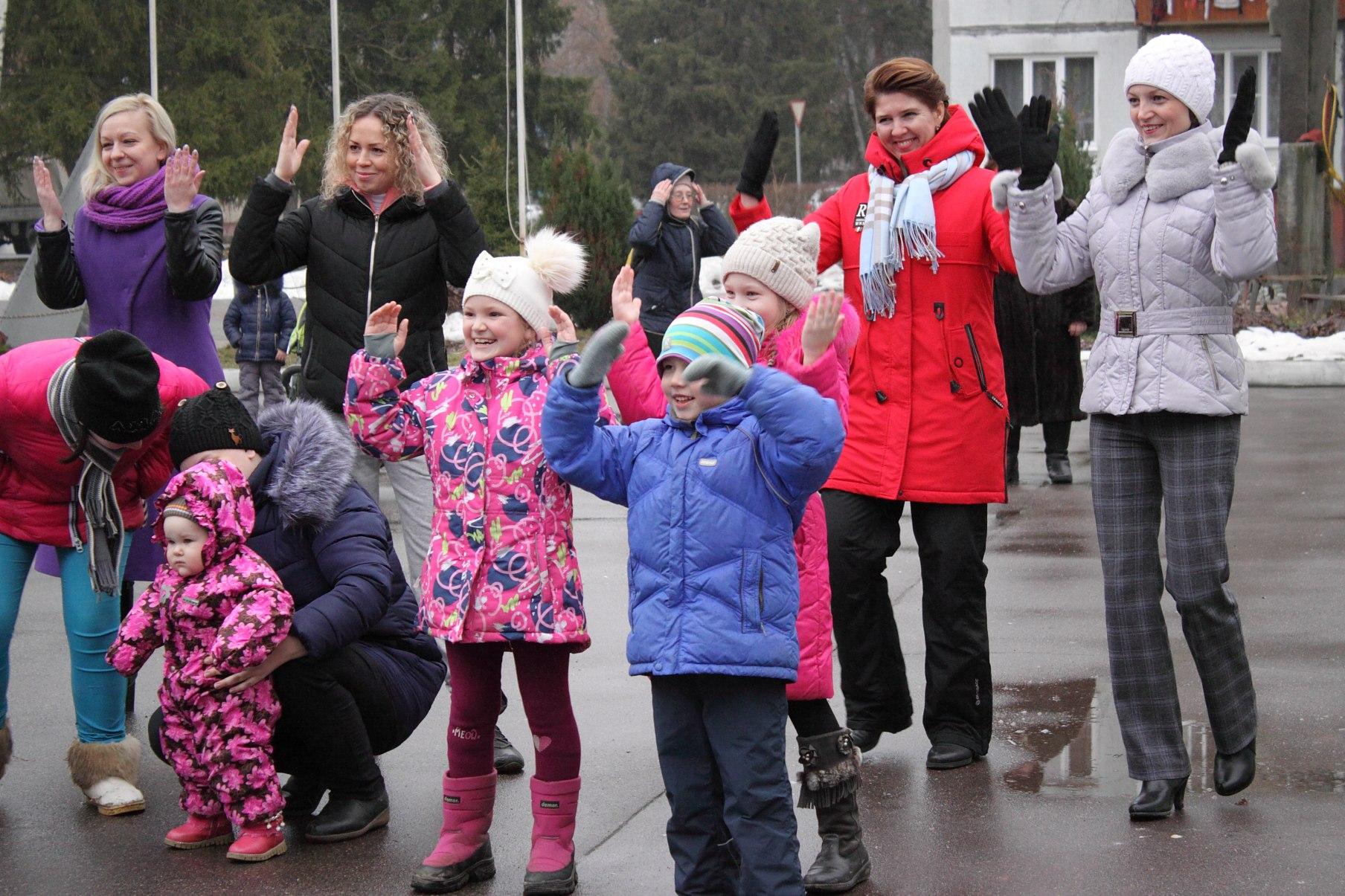 В Балабанове стартовала зимняя серия мероприятия «Выходи во двор играть»