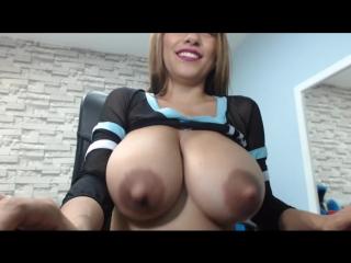 Niley hott - big boobie cam show