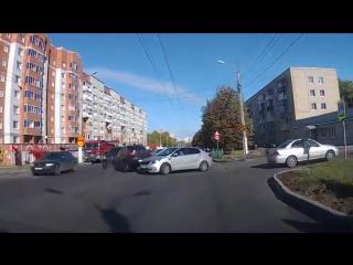 Дтп на улице Энгельса в Чебоксарах