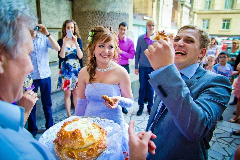 upsb238j7Mc - Веселая свадебная традиция
