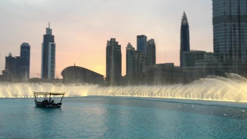 Поющие фонтаны в Дубае! оператор от Бога