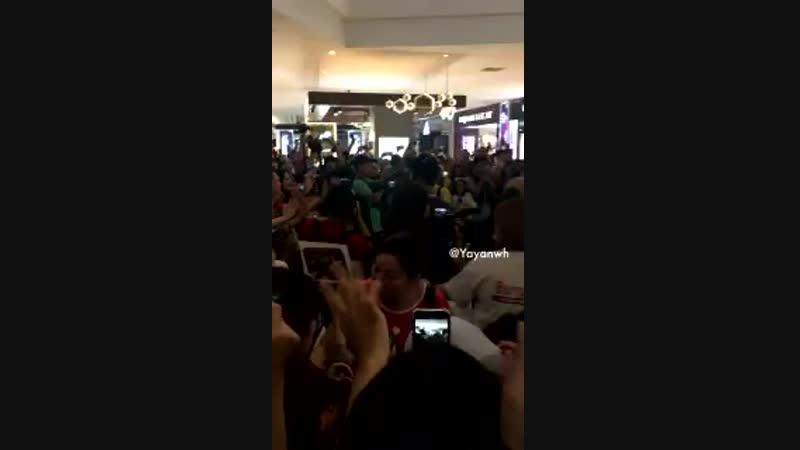 [201018] Сонджон в торговом центре IOI. Малайзия. (cr.7emonjongie)