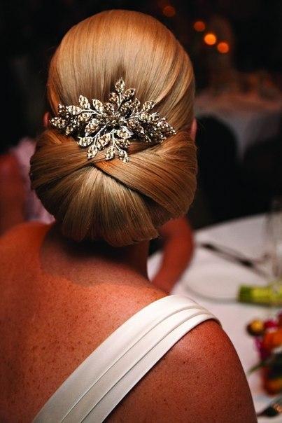 Элегантные причёски на выпускной