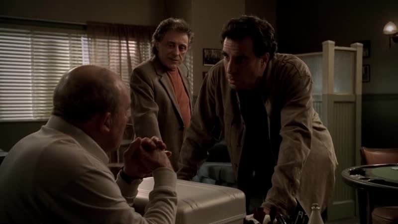 (S05E04_02) Фил завалил Лорейн по приказу Джонни Сэка, Расти лоббирует Кармайну за войну