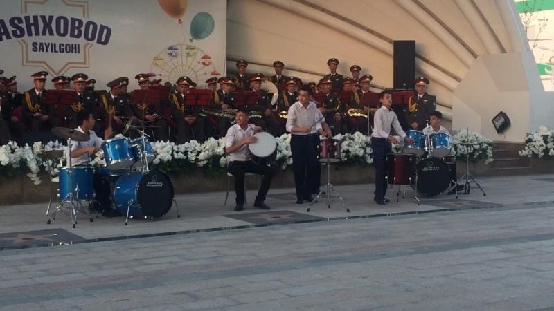Концерт в парке Ашхабад в Ташкенте