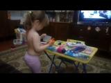 Внучка юный художник
