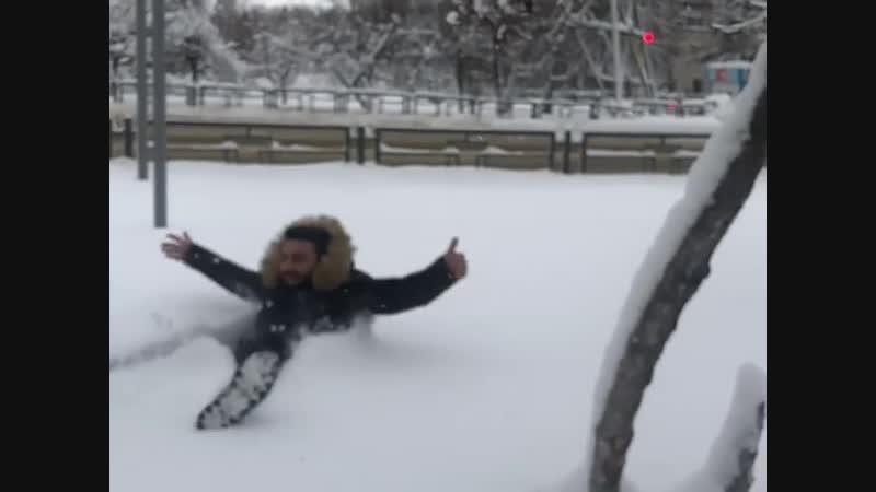 Студент из Сирии в томском снегу