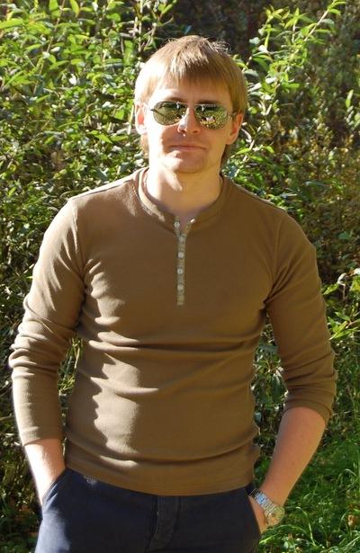 Олег Симонов