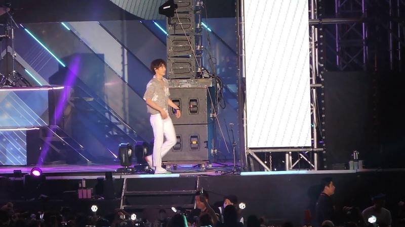 [FANCAM 직캠] [KAI 카이 FOCUS] 180623 EXO 엑소 - Boomerang 부메랑 @ Lotte Family Concert 롯데 패밀리 콘서트