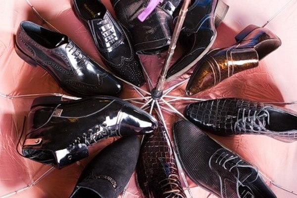 Я милого узнаю по... ботинкам