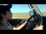 Мои дети учатся ездить на машине