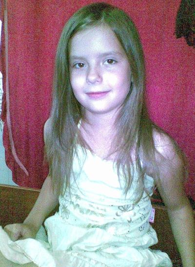 Вика Степанова, 31 августа 1985, Тула, id213995328