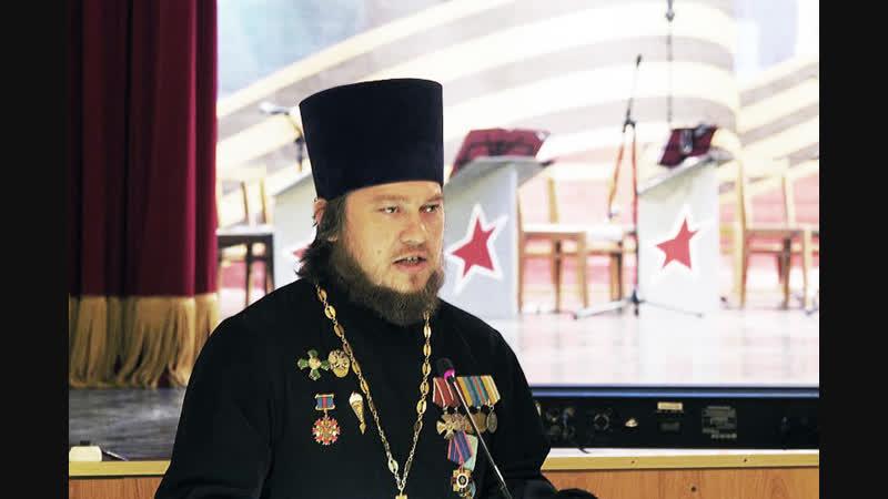 Главный священник ВДВ напутствует десантников