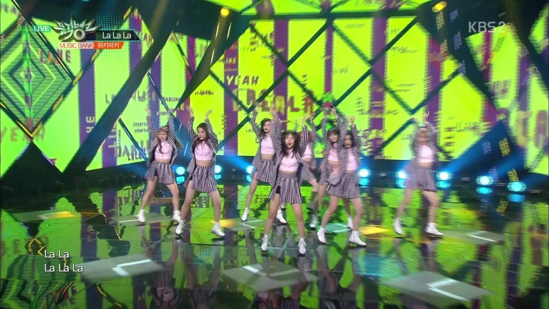 180323 Weki Meki 'La La La' @ Music Bank. Episode 921