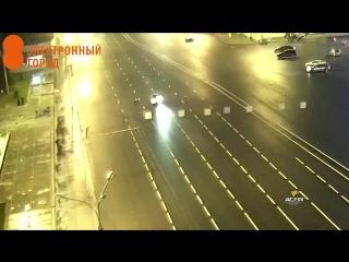 Пешехода сбили на площади Ленина