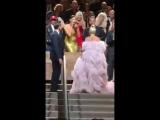 Аплодисменты Леди Гаге и Брэдли Куперу после показа фильма Звезда родилась