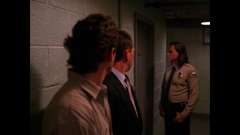 Twin.Peaks.S02E09.Arbitrary.Law.BDRip.Eng.