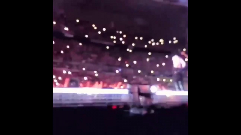 Laurent dancing on stage during the concert Beyonce Jay-Z at Stade de France Paris OTR2 7/14/2018 🙌💃🔥🔥🔥
