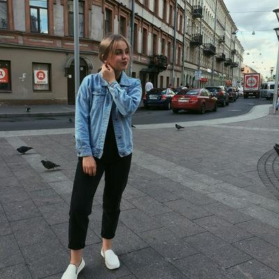 Маша Акулова