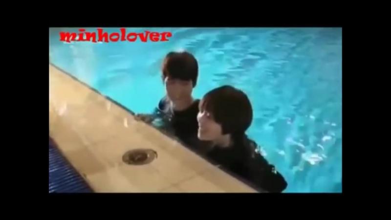 SHINee's Minho laughing..Very funny.mp4