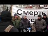 ВКиеве «патриоты» кидали яйца изеленку вздание консульства России