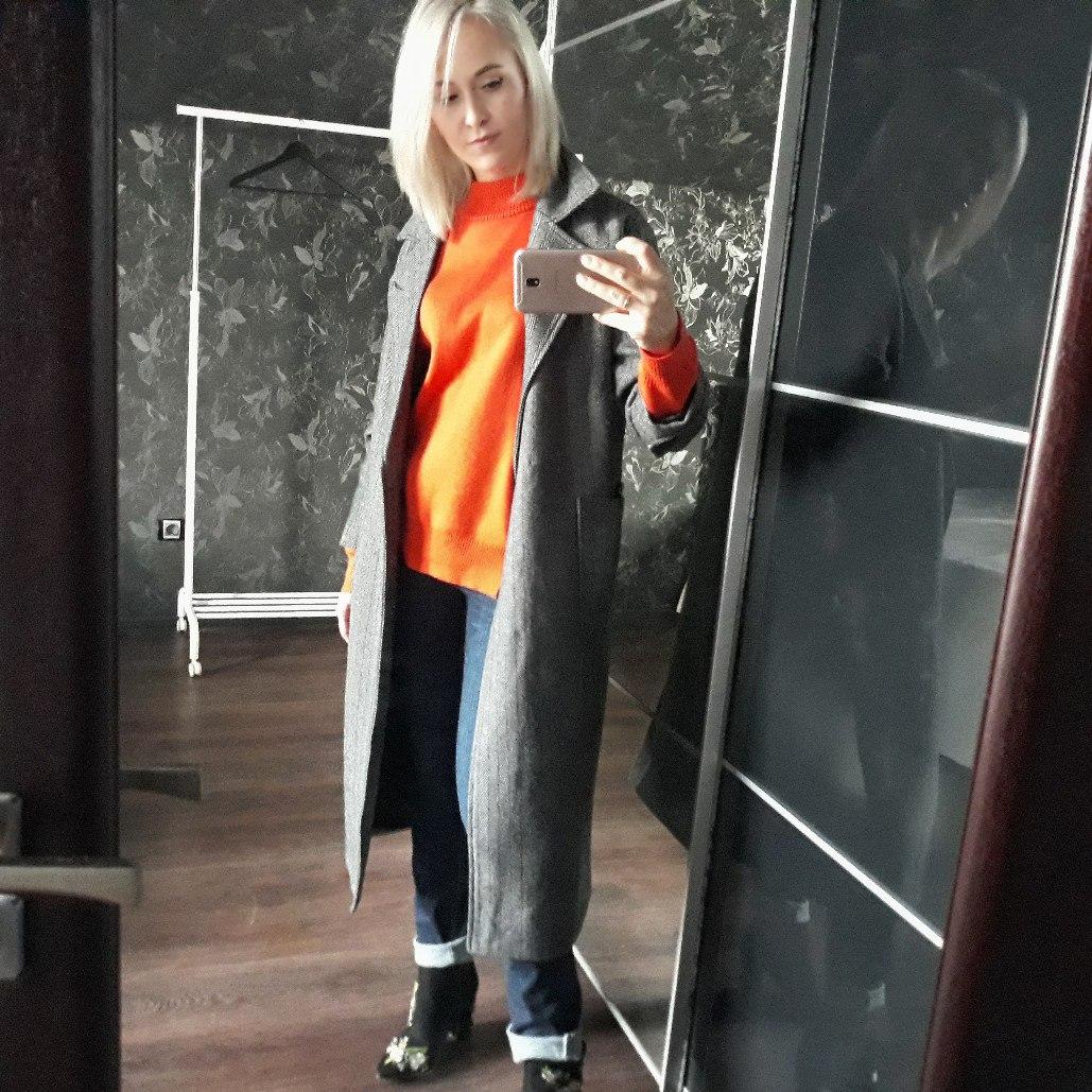 Шикарный теплый свитер в красно-оранжевом цвете